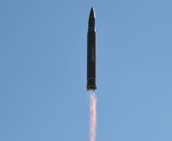 Triều Tiên phóng tên lửa. Ảnh: Sputnik.