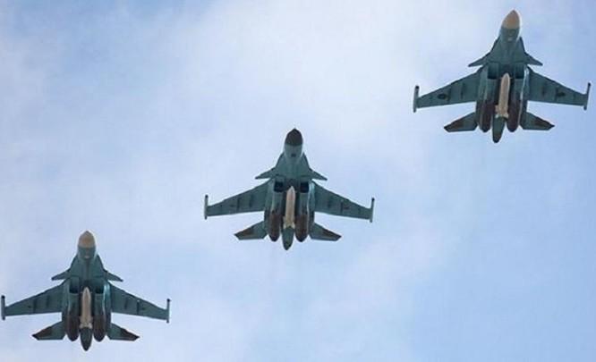 Biên đội máy bay chiến đấu ném bom Su-34 Nga. Ảnh: TASS