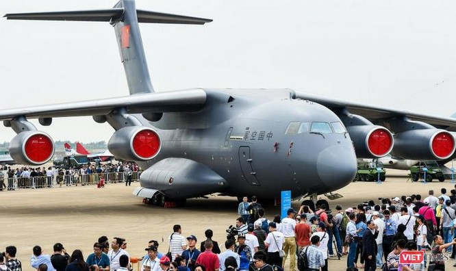 Máy bay vận tải cỡ lớn Y-20 Trung Quốc tại Triển lãm hàng không vũ trụ quốc tế Trung Quốc lần thứ 11. Ảnh: Cankao