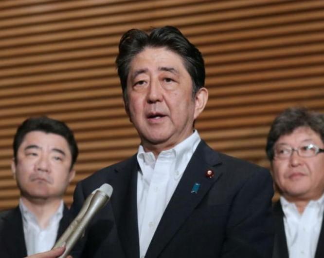 Thủ tướng Shinzo Abe vào sáng sớm ngày 29/7/2017. Ảnh: NTDTV