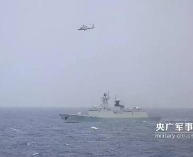 Ngày 24/8/2017, biên đội tàu chiến Hải quân Trung Quốc tiến hành diễn tập trên vùng biển Tây Ấn Độ Dương. Ảnh: CCTV/Sina.