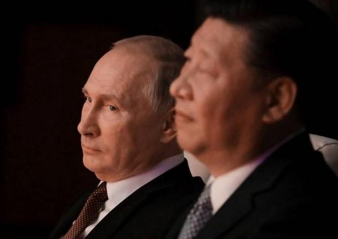 Tổng thống Nga Vladimir Putin và Chủ tịch Trung Quốc Tập Cận Bình. Ảnh: The Japan Times.