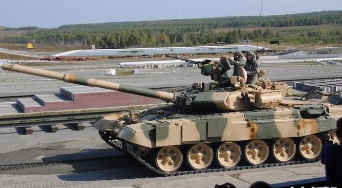 Xe tăng chiến đấu T-90MS Nga.