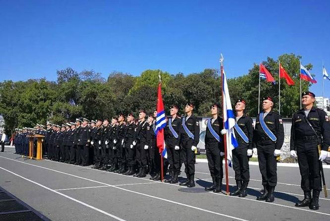 Hải quân Nga tổ chức tiếp đón biên đội tàu chiến Hải quân Trung Quốc đến Vladivostok, Nga để tham gia cuộc tập trận chung Joint Sea - 2017 giai đoạn hai. Ảnh: China.com.cn.
