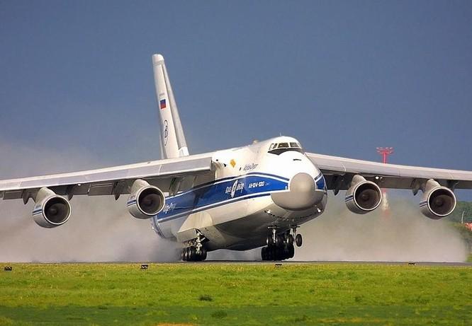 Máy bay vận tải An-124. Ảnh; Aircraft InFormation.