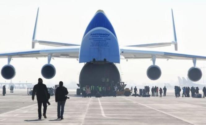 Máy bay vận tải lớn nhất thế giới An-225. Ảnh: Cankao.