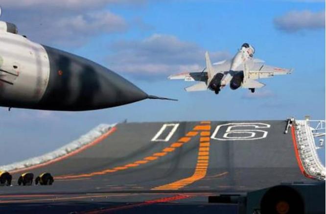 Máy bay chiến đấu J-15 trang bị cho tàu sân bay Trung Quốc được sản xuất dựa trên các tài liệu kỹ thuật mua được từ Ukraine. Ảnh: Youth.