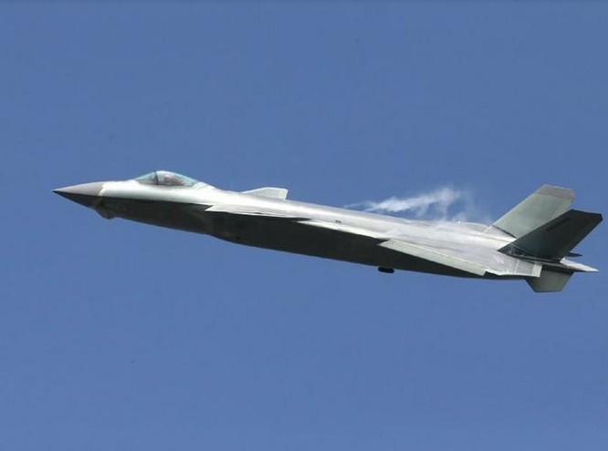 Máy bay chiến đấu J-20 Trung Quốc. Ảnh: Sina.