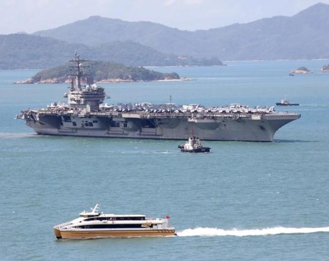 Cụm tấn công tàu sân bay USS Ronald Reagan Hải quân Mỹ rời Hồng Kông đến vùng biển bán đảo Triều Tiên. Ảnh: South China Morning.