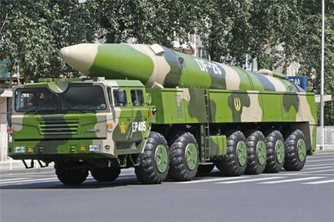 Tên lửa đạn đạo tầm trung Đông Phong-26 Trung Quốc. Ảnh: Sina.