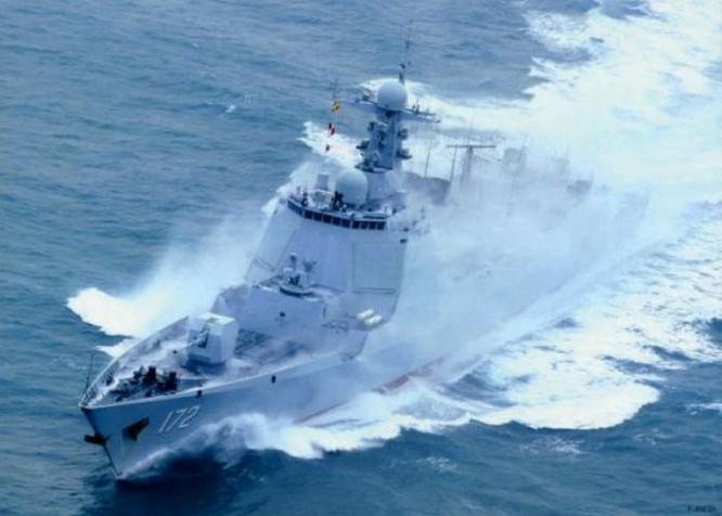 Tàu khu trục tên lửa Côn Minh Type 052D, Hạm đội Nam Hải, hải quân Trung Quốc. Ảnh: Cankao.