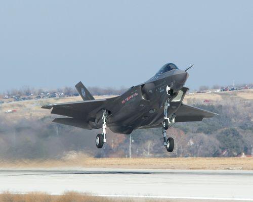 Máy bay chiến đấu F-35A Mỹ.