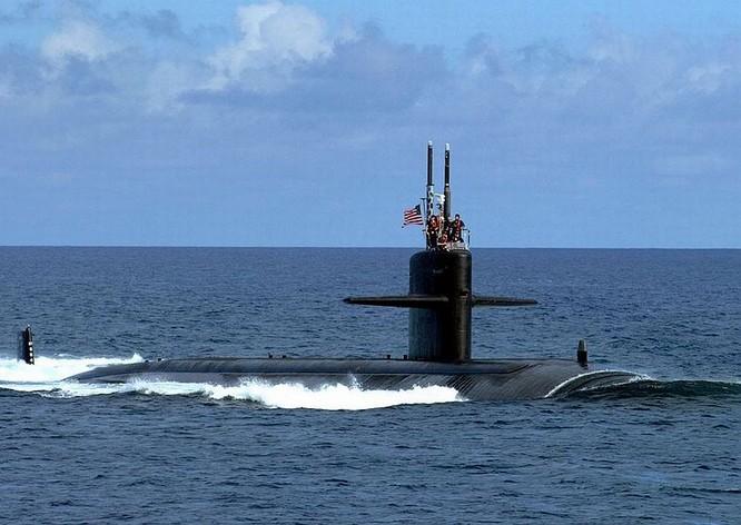 Tàu ngầm hạt nhân tấn công lớp Los Angeles Mỹ.