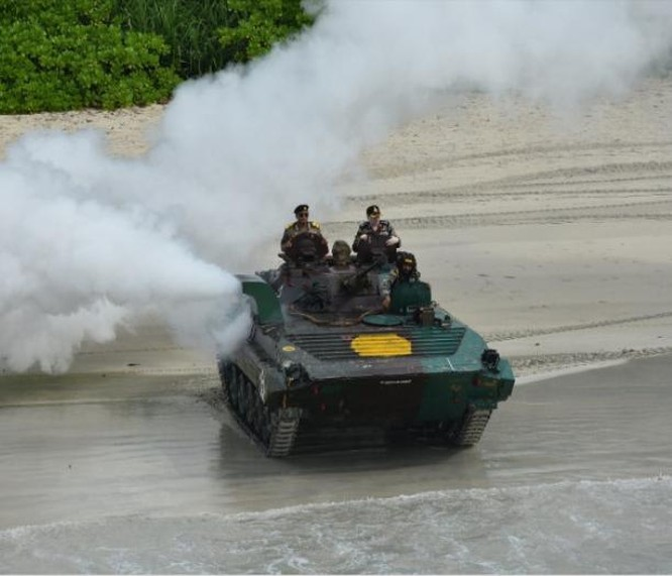 Từ ngày 20 - 24/11/2017, quân đội Ấn Độ tiến hành tập trận quy mô lớn ở quần đảo Andaman - Nicobar. Ảnh: Indian Navy.