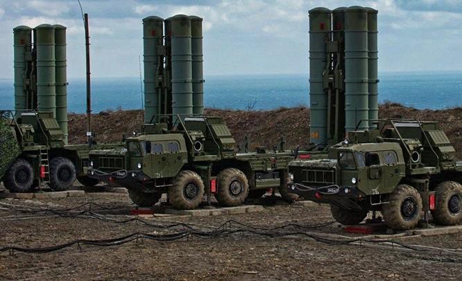 Hệ thống tên lửa phòng không S-400 do Nga chế tạo. Ảnh: Sputnik.