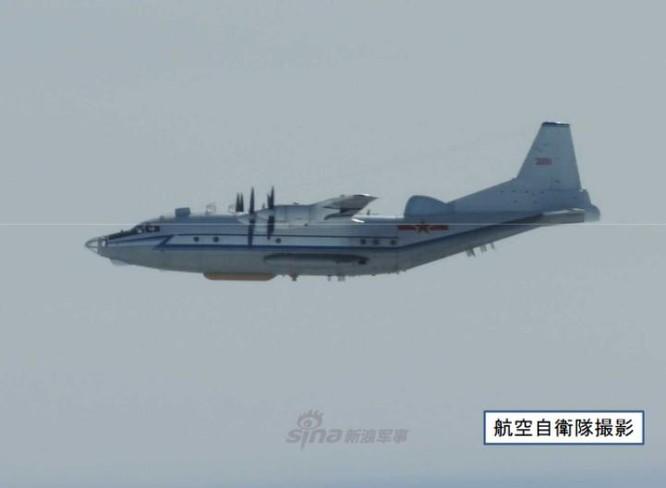 Máy bay trinh sát Y-8 không quân Trung Quốc. Ảnh: Sina.