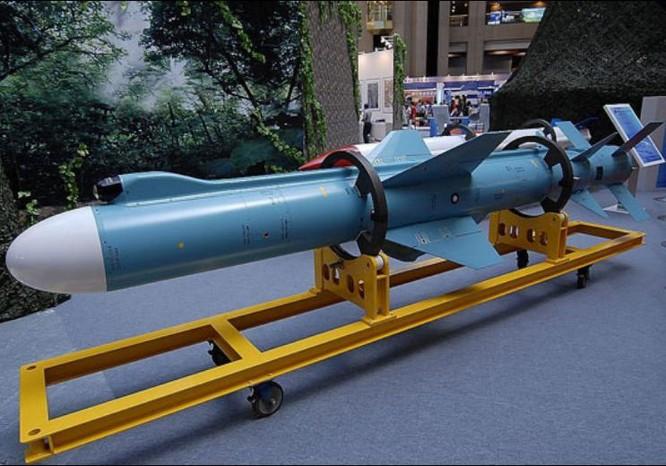 Tên lửa hành trình Hùng Phong-2E Đài Loan. Ảnh: Sina.