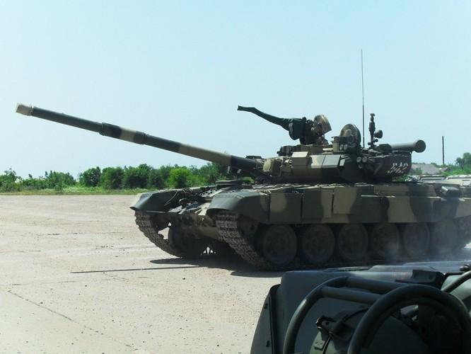 Xe tăng chiến đấu dòng T-90 của Quân đội Nga. Ảnh: Sina.