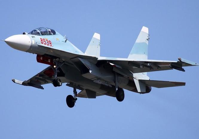 Máy bay chiến đấu đa dụng Su-30MK2V của không quân Việt Nam. Ảnh: Sina.