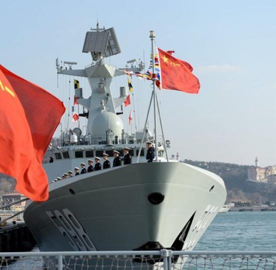 Tàu hộ vệ tên lửa Nhật Chiếu số hiệu 598 Type 054A biên chế cho Hạm đội Bắc Hải, hải quân Trung Quốc ngày 12/1/2018. Ảnh: Sina.