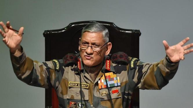 Tham mưu trưởng lục quân Ấn Độ Bipin Rawat. Ảnh: Hindustan Times.