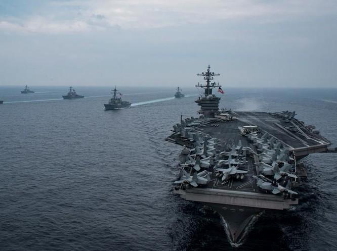 Hải quân Mỹ ngày 7/1/2018 cho biết cụm chiến đấu tàu sân bay USS Carl Vinson đang trên đường đến Tây Thái Bình Dương.