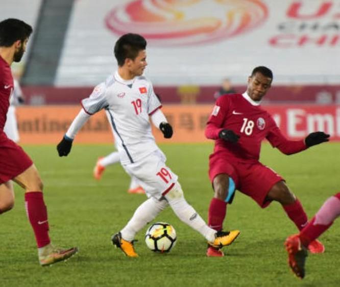 U23 Việt Nam trong trận đấu với U23 Qatar. Ảnh: QQ.