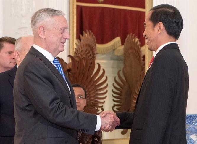 Bộ trưởng Quốc phòng Mỹ James Mattis trong chuyến thăm Indonesia vừa qua. Ảnh: Department of Defense.