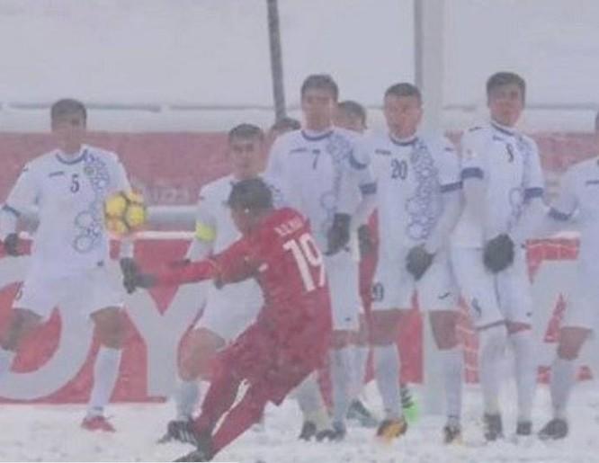 Tiền vệ Nguyễn Quang Hải giành giải Bàn thắng đẹp nhất tại Vòng chung kết U23 châu Á 2018.