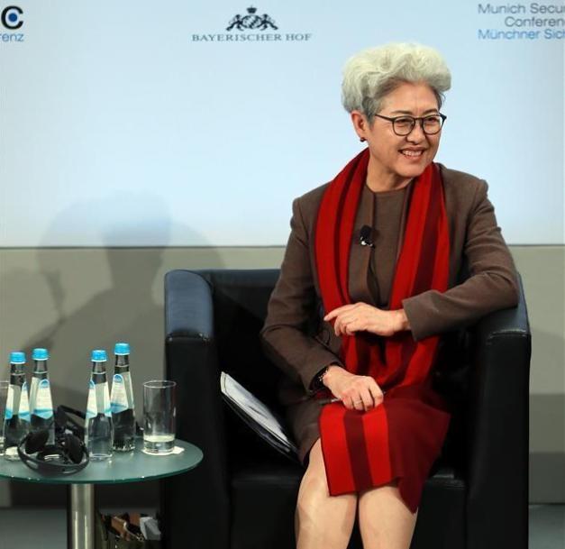 Bà Phó Oánh, chủ tịch ủy ban đối ngoại Nhân đại Trung Quốc tại Hội nghị an ninh Munich. Ảnh: Xinhuanet.