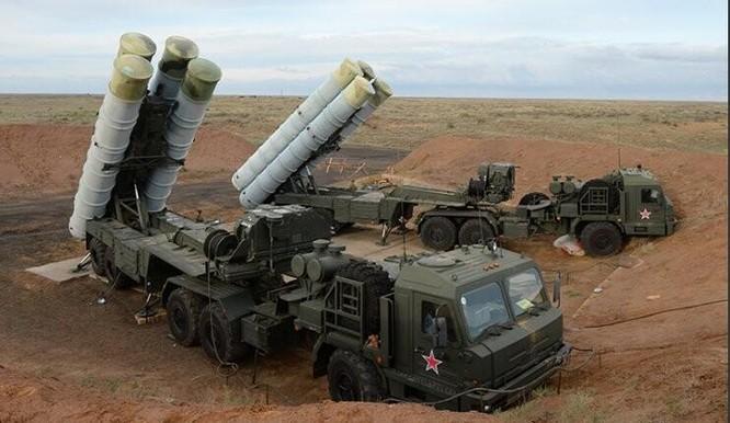 Hệ thống tên lửa phòng không tiên tiến S-400 Nga. Ảnh: Cankao.