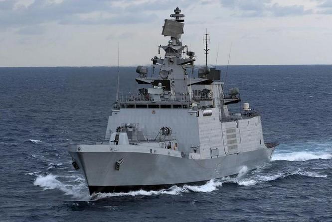 Tàu hộ vệ tàng hình lớp Shivalik do Ấn Độ tự chế tạo.