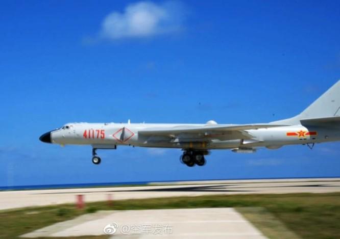 """Mỹ lại tung """"pháo đài bay"""" B-52H đến Biển Đông đe Trung Quốc? ảnh 2"""