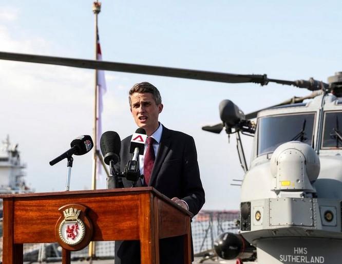 Học giả Trung Quốc ngán chiến hạm Anh, Pháp thách thức trên Biển Đông ảnh 1
