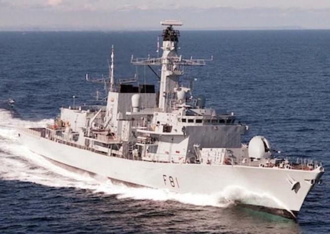 Học giả Trung Quốc ngán chiến hạm Anh, Pháp thách thức trên Biển Đông ảnh 2