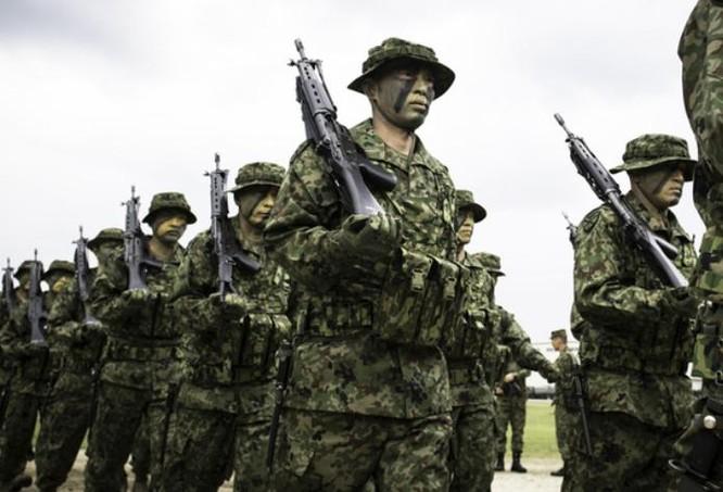 Nhật tung quân đoàn đánh bộ tới gần Senkaku, đối phó Trung Quốc ảnh 1