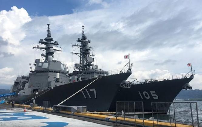 """Tàu sân bay Mỹ, Nhật Bản liên thủ tập trận trên Biển Đông """"nắn gân"""" Trung Quốc ảnh 2"""