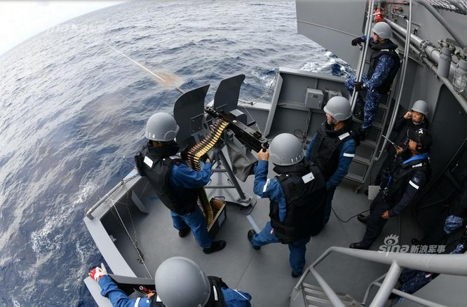 """Tàu sân bay Mỹ, Nhật Bản liên thủ tập trận trên Biển Đông """"nắn gân"""" Trung Quốc ảnh 4"""