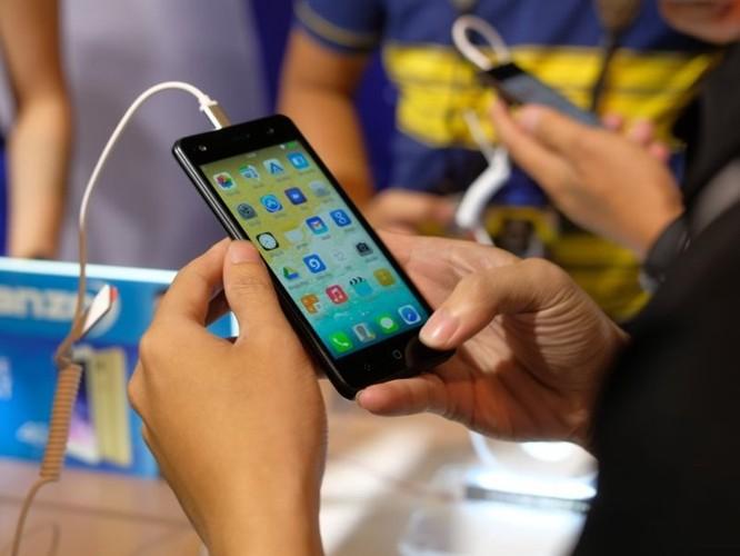 Asanzo ra hai smartphone mới, kỳ vọng kiếm được 2.400 tỷ năm 2018 - Ảnh 2