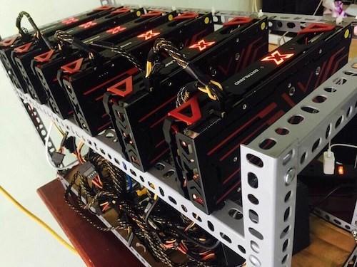 Bitcoin mất nửa giá, lợi nhuận máy 'đào' giảm sâu - Ảnh 1