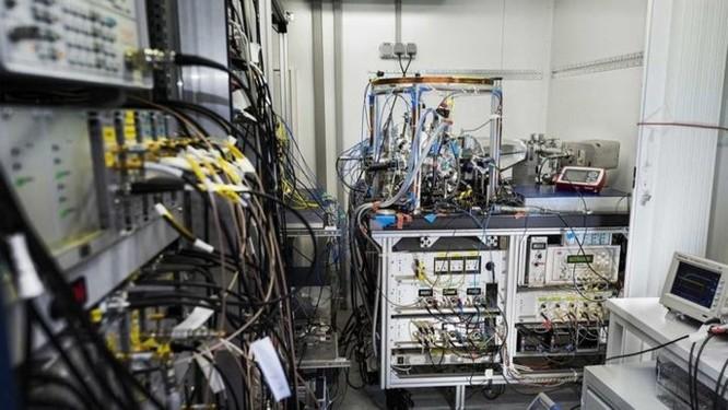 Khi các nhà khoa học mang đồng hồ nguyên tử để đo... độ cao của núi - Ảnh 4
