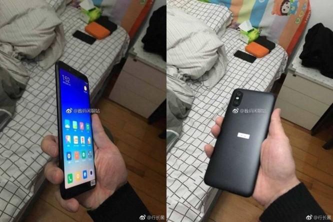 Xuất hiện ảnh trên tay của Xiaomi Mi 6X: camera kép đặt dọc như iPhone X, viền siêu mỏng - Ảnh 2