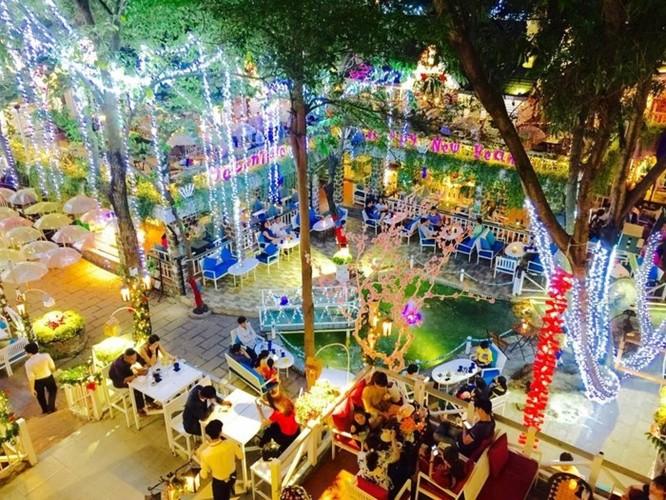 8 địa điểm chụp ảnh Xuân đẹp ở Sài Gòn - Ảnh 6