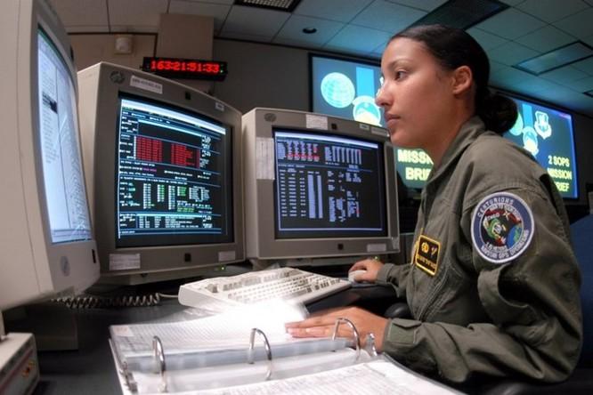 Không quân Mỹ sẽ nâng cấp hệ thống lên Windows 10 để tránh bị tấn công mạng - Ảnh 2