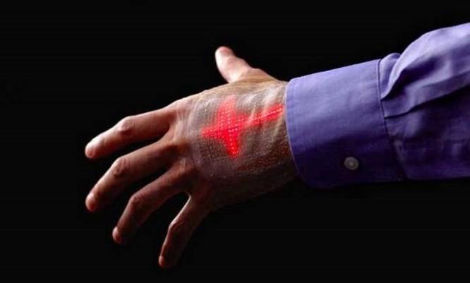 'Da điện tử' hiển thị thân nhiệt, huyết áp, nhịp tim ngay trên tay bạn - Ảnh 1