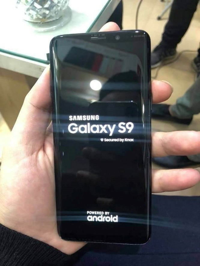 Xuất hiên hình ảnh Galaxy S9 'bằng xương bằng thịt' đầu tiên - Ảnh 2