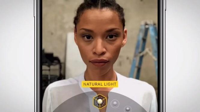 Apple khoe quá trình dày công tạo nên tính năng Portrait Lighting trong quảng cáo mới - Ảnh 3