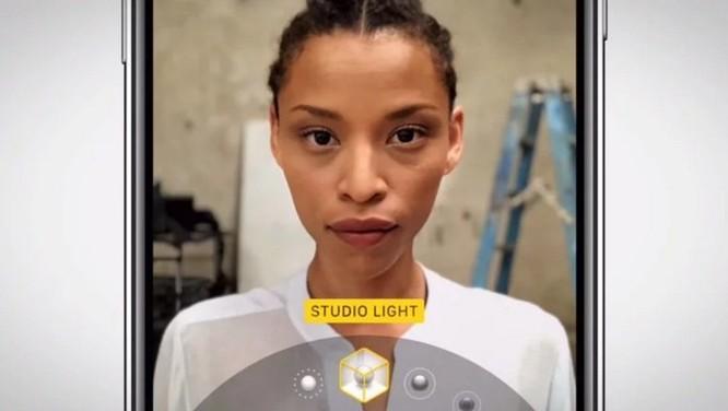 Apple khoe quá trình dày công tạo nên tính năng Portrait Lighting trong quảng cáo mới - Ảnh 4