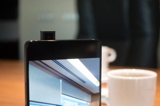 [MWC 2018] Vivo giới thiệu concept 'Apex', cảm biến vân tay nửa màn hình và camera selfie thu gọn - Ảnh 2