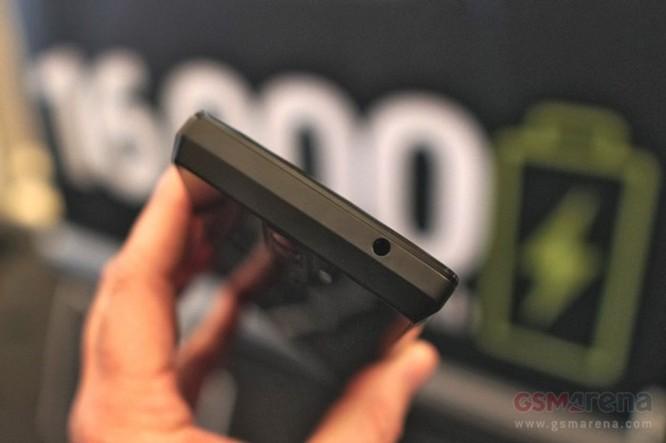 Trên tay nhanh điện thoại Energizer Power Max P16K Pro pin 16.000 mAh (bản tiền sản xuất) - Ảnh 6